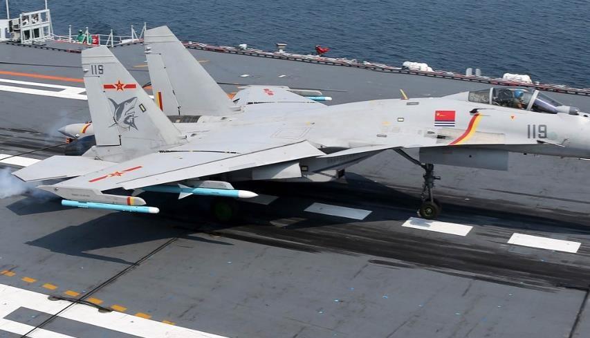 舰载机着舰纵向飞行控制律设计